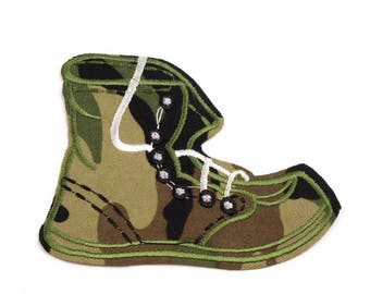 2 applied camouflage army shoes