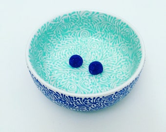 Double-Sided Round Jewelry Dish In Solid Mint/Solid Blue
