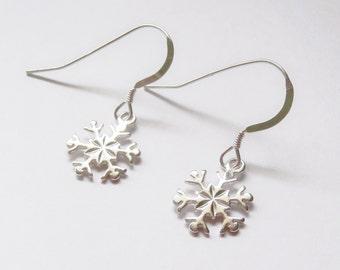 sterling silver snowflake earrings, snowflake earrings, winter earrings, snow earrings, gift for daughter, gift for mum, gift for snow lover