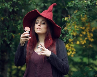 Witch red hat wizard magic hat- Red wool Felt tall pointed hat