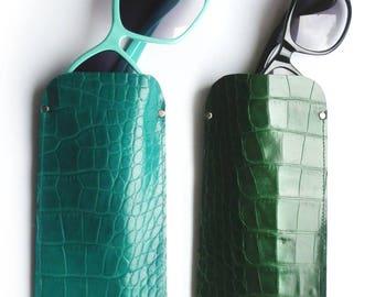 Lunettes de soleil en cuir affaire émeraude ou vert bouteille