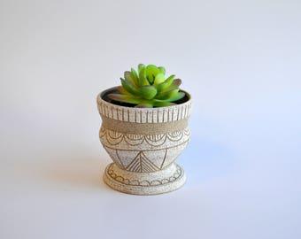 S A N D S T O N E: ceramic stoneware planter