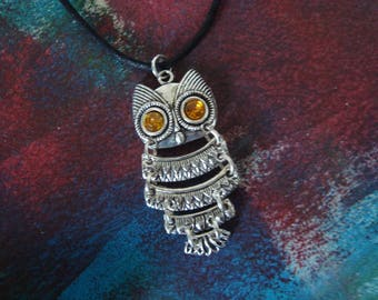 Topaz eyes silver articulated OWL necklace