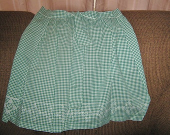 Vintage Apron //  Green and White Gingham