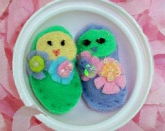 Mini Felt  Plush Jelly Beans with flowers and beading in  Plastic EGG for Easter. Party favors