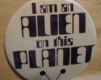 alien button from the 70S