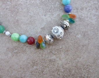 Springy Colors Necklace with Agates, Pewter and Glass Beads