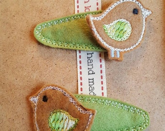 Green Clips with Birdie Topper