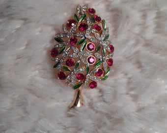 Lovely Christmas Tree Brooch