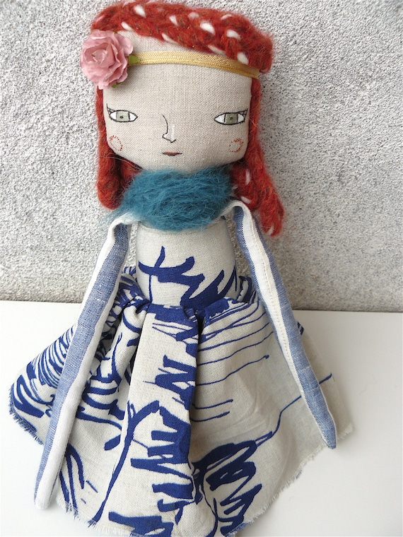 Large art doll in cotton and alpaca and wool hair. 16,5 inches. Red hair.