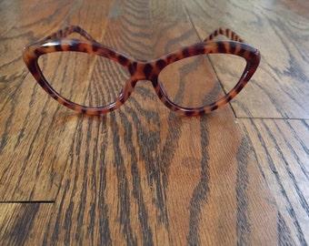 Vintage Liz Claiborne tortoiseshell animal print oversize cat eye frames