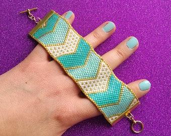 Pretty Chevrons - Turquoise, White & Gold Peyote Stitch Bracelet - Odd Count Peyote Beading Pattern