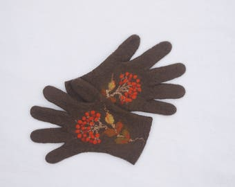 Gloves,brown  gloves, felted wool gloves, gift for her, fall spring winter accessories, women gloves