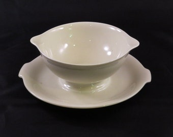 Rosenthal Continental Aida Cream White Porcelain Gravy Boat with Attached Underplate Germany