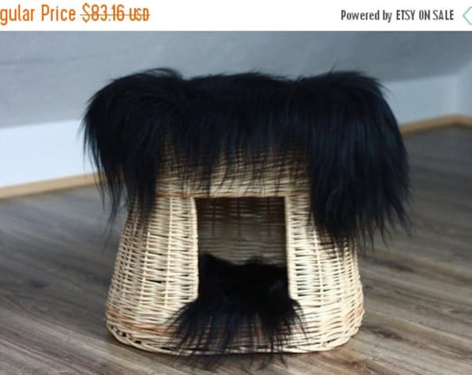ON SALE Wicker Cat bed , Cat cave , pet bed , cat house ,pet furniture hand-felted with Genuine Real icelandic Sheepskin inside