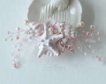 Pale Pink Beach Wedding Hair Comb. Seashell and Pearls Crystals Hair Comb. Beach Wedding Headpiece. Beaded Hair Comb.