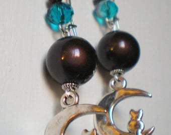 "LOOP Earring ""Cat and Moon"" on silver bracket"