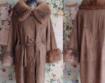 Vintage 1960s 1970s Tan Suede and Fur Trimmed Belted Jacket. Medium/Large.
