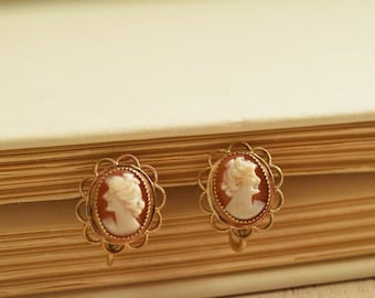 1950's Petite Cameo Earrings | 14 KT Gold Overlay Earrings