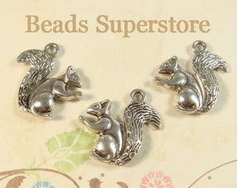 20 mm x 21 mm Antique Silver Two Sided 3D Squirrel Charm / Pendant - Nickel Free, Lead Free and Cadmium Free - 5 pcs (CH134)