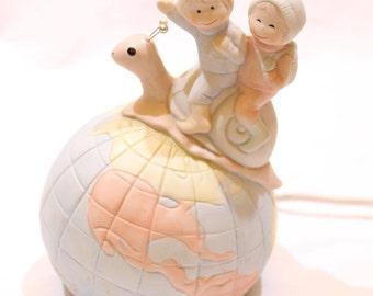 Vintage Flambro Travelers Riding Snail on a Globe Night Light Lamp, Vintage Night Light, Flambro Night Light, Kids Room, Nursery