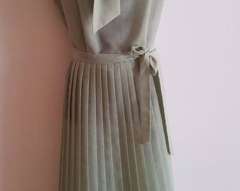 Vintage 50's 60's Green Pleated Skirt Sleeveless Dress Size Large