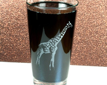 Giraffe Sandblasted Pint Glass