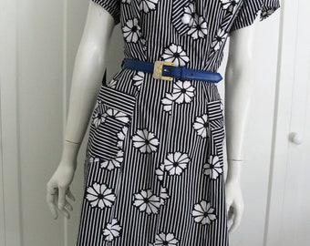 Vintage 50's Dress // Black & White Stripe  Floral Cotton // Sz Large