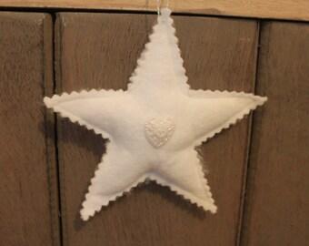 Star in white felt hanging So shabby!