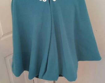 Short Cloak with hood