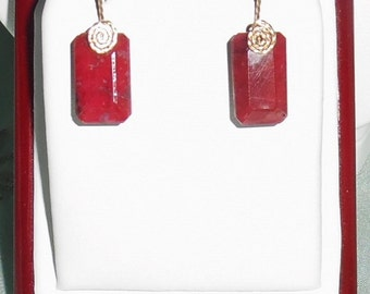 28 cts Natural Octagon Red Ruby gemstones, 14kt yellow gold Pierced Earrings