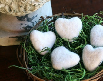 Felted Hearts, Felted Wool Hearts, Valentine's Day Gift, Set of 5 with Nest, Ivory Felted Hearts