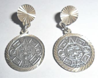 Cool petite vintage Mexico sterling silver ethnic tribal Aztec design pierced earrings