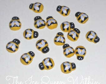 Free shipping!!! Yellow wooden bee magnets (set of 10)