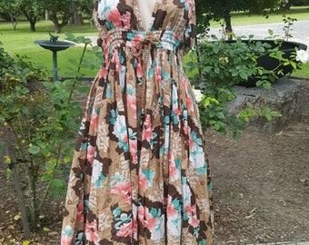 Vintage ** 90's ** Floral ** Cotton ** Boho **  Full Skirt ** Halter ** Dress ** Small