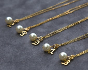 Gold Bridesmaid Jewelry Gift Set of 5, Initial Pearl Necklace, Personalized Letter Jewelry, Custom Bridesmaid Necklace