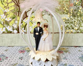 Cake Topper Wedding Cake Topper Vintage Wedding Cake Topper Bride and Groom Cake Topper Cake Topper for Wedding Bridal Shower Gift