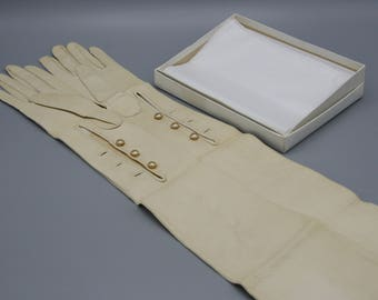 Vintage Kid Leather Opera Gloves Faux Pearl Buttons 22 inches Long Sz 6 1/4 T Eaton Co Never Worn