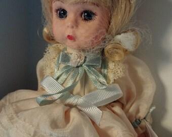 Madame Alexander Sweet Victorian 25040