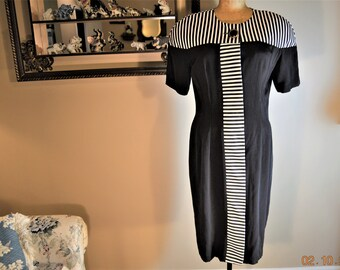 Black White 80's Dress,Sexy Body Con Dress,,Black Noir ,Wiggle,Hourglass cocktail party,Hidden Buttons up front,all but one Big One,Med