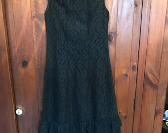 1960s cute lace shift dress with hem frill