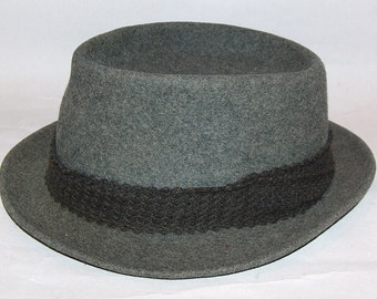 7893: Vintage Men's Cambrera Hat Paris 1929 Wool 1929 Fedora Gray at Vintageway Furniture