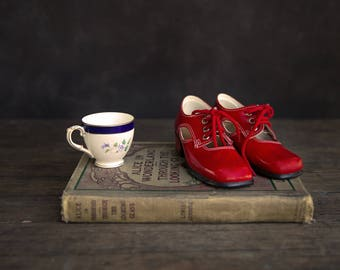 Vintage Girls Mary Jane Shoes with Original Box (new old stock) size 24 EU