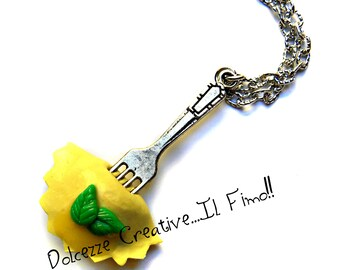 Fork with ravioli pasta - Basil - handmade necklace - miniature
