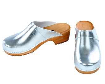 Patent leather Clogs silver
