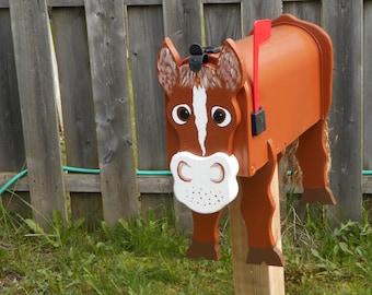 Farm Animal Mailboxes - Horse mailbox
