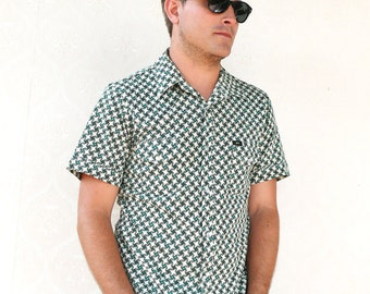"Vintage mens stretch short sleeved shirt - green pattern . . . ""Like"" our fb page for 10% discount"