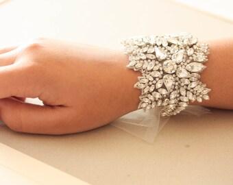 Bridal statement bracelet - Hearts Art