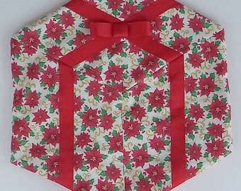Set of 4 package shaped Christmas placemats