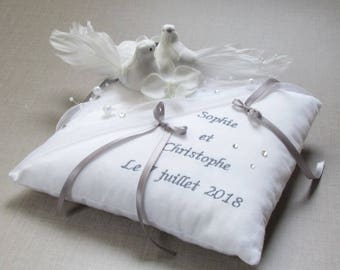 Romantic wedding ring bearer pair of doves, birds, personalized ring bearer pillow custom Whoopsidaisies Creations